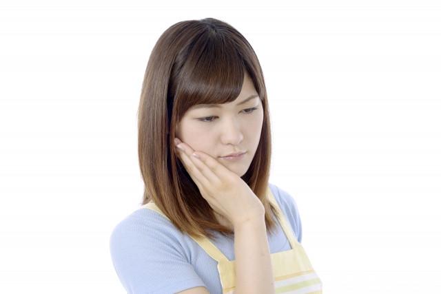 あごが痛い女性